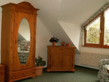 impressionen der zimmer. Black Bedroom Furniture Sets. Home Design Ideas